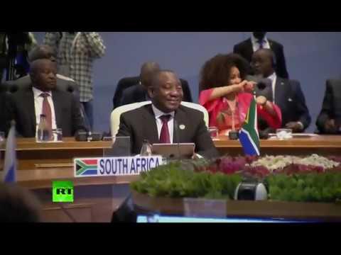 Путин принимает участие во встрече лидеров стран БРИКС в Йоханнесбурге
