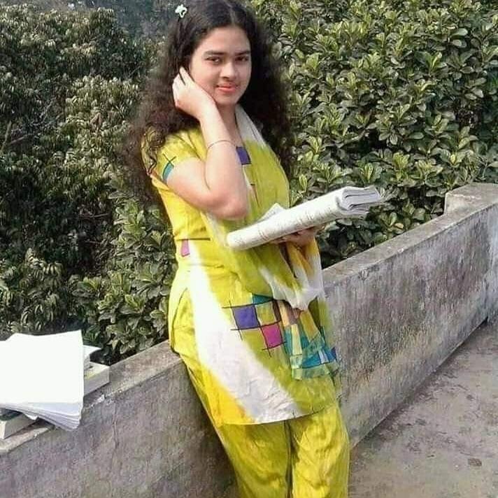 Karachi university student girl