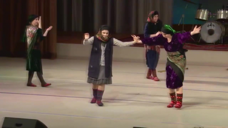 Сувар 20. Дворец Гейдара Алиева. Баку, 2016. Танец старушек