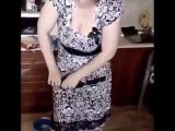 Я хочу вам показать мою супругу, как она умеет гнуть.