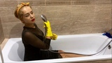 WETLOOK / FULLY CLOTHED / CLEANING IN THE BATHROOM / УБОРКА ПЕРЕД ВАННОЙ / WET / WAM