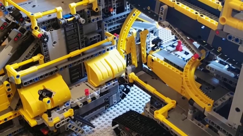 Lego 42055 - AB model (Bucket Wheel Excavator and Mobile Aggregate Processing Plant)