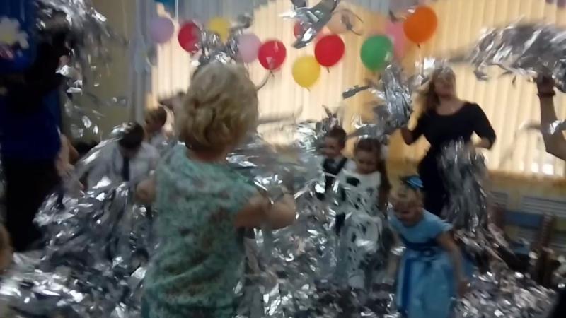 Серебряное шоу на выпускном в детском саду