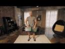Домашние тренировки с Денисом Семенихиным Упражнения на дельты (книги вместо гантелей)