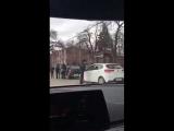 Полицейские тормозят девушек в Краснодаре перед 8 марта