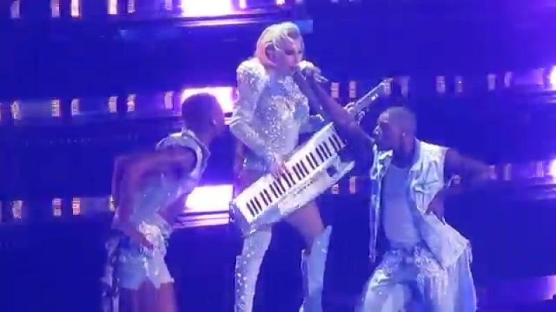 Lady Gaga - Just Dance - Mediolanum Forum , Milano 2018 - YouTube (360p)
