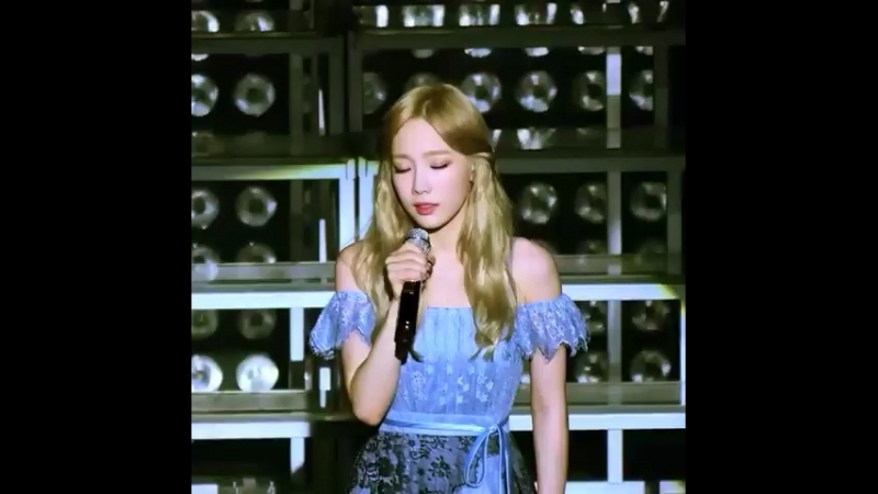 Taeyeon - I love you (Butterfly kiss concert)