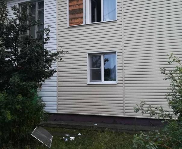 В Усть-Илимске выпала из окна 7-летняя девочка