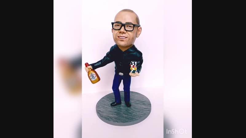 Шаржевая статуэтка Mr. Jackpot. Полимерная глина. Скульптор Исакова Дарья.