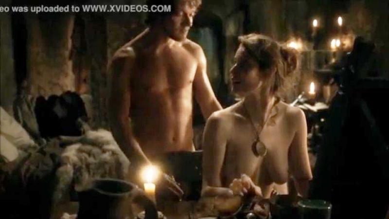 Esmé Bianco and Alfie Allen sex scene in Games of Thrones S01E05