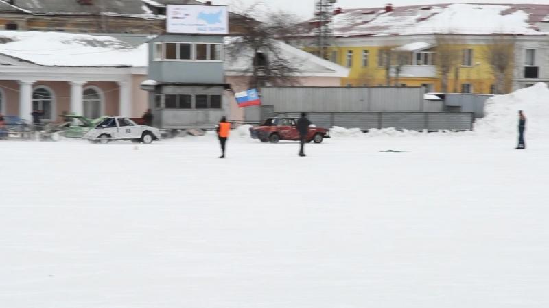Ледовое автошоу стадион Уральский Трубник Первоуральск