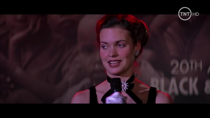 Amar peligrosamente (2003) Beyond Borders sexy escenes angelina jolie 01
