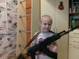 Сын учится разбирать и собирать ОС АК-103. Растим защитника Отечества.