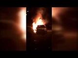Жители Новомосковска обсуждают в Сети видео с горящей машиной