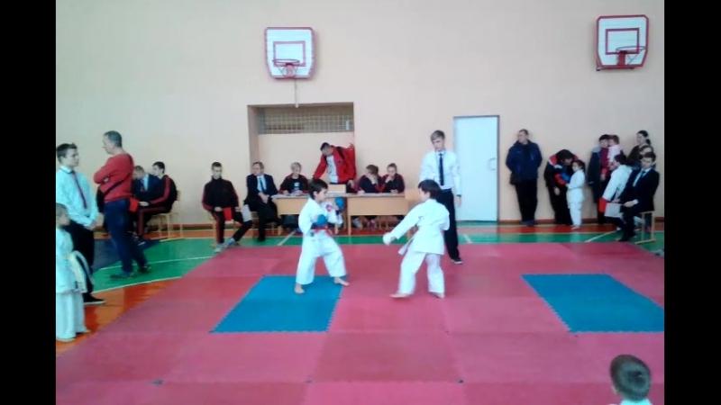 Чемпионат города Макеевки по каратэ -1 бой.