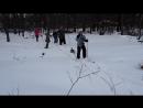 Юные лыжники и их собака
