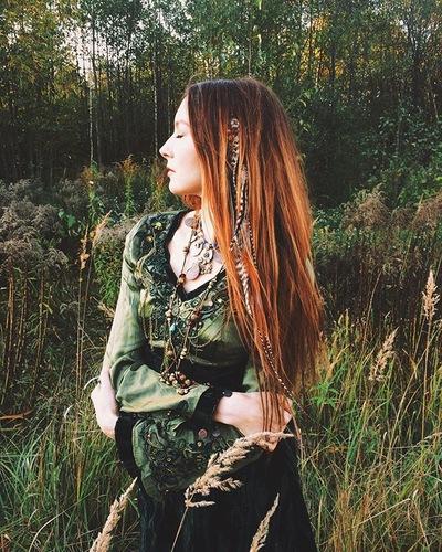 Оля Синельникова
