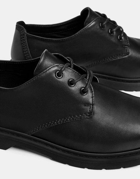 Черные мужские туфли