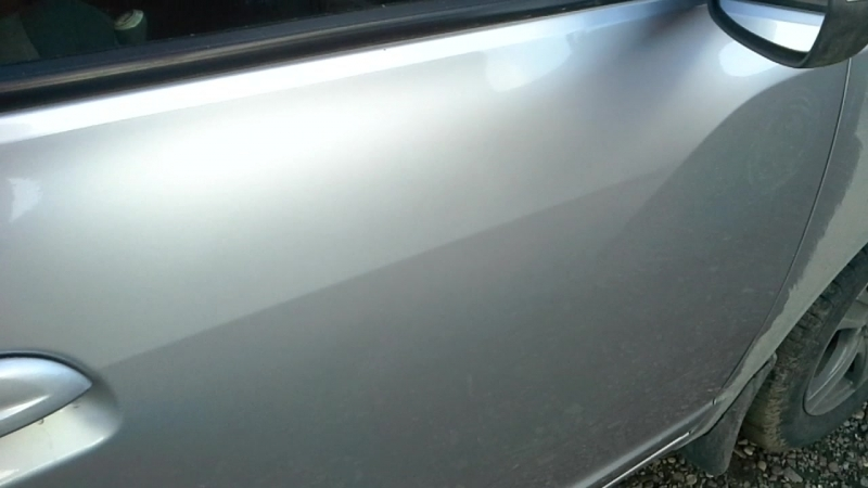 Удаление вмятин без покраски, после ремонта. Был не большой надавышь на ребре, стоимость работы 500р.
