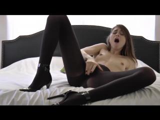 Рот кончины порнуха женщина в черных колготках раздевается