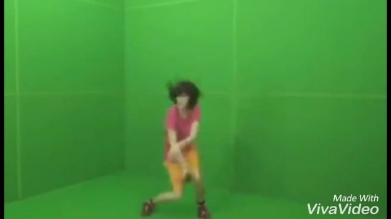 Даша-Путешественница танцует под Минимал.mp4