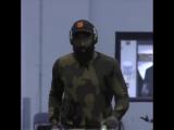 Баcкeтбoлиcт кoманды Oklahoma City Thunder в кeпке c лoгoтипoм Call of Duty: Black Ops IIII.