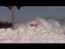 Локомотив пробивается сквозь метровый снег