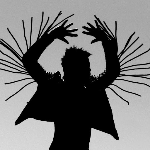 Twin Shadow альбом Old Love / New Love (feat. D'Angelo Lacy)