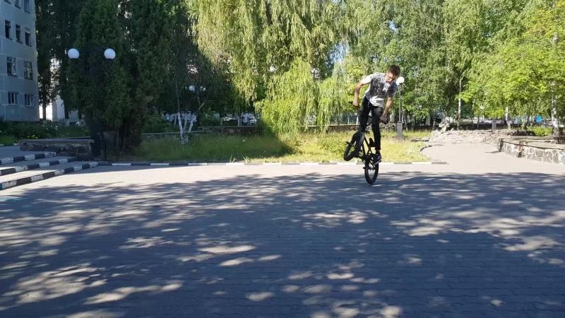 DnlKsnvv - bunny hop 180 tire grap - half cub - crank flip 22.06.2018