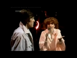 Yvonne Keeley & Scott Fitzgerald With The ST. Thomas Moore School Choir - If I Had Words In The Top Of The Pops BY BBC UK GOLD