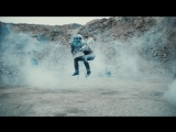ARCH_ENEMY_-_The_Eagle_Flies_Alone_OFFICIAL_VIDEO_22 (1)