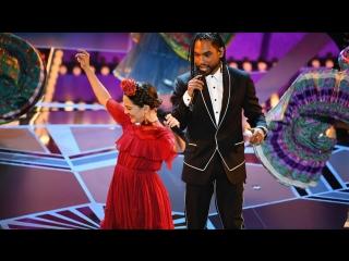 Miguel и Natalia Lafourcade исполняют песню «Remember me» из мультифильма «Тайна Коко»