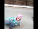 гимнастка на прогулке