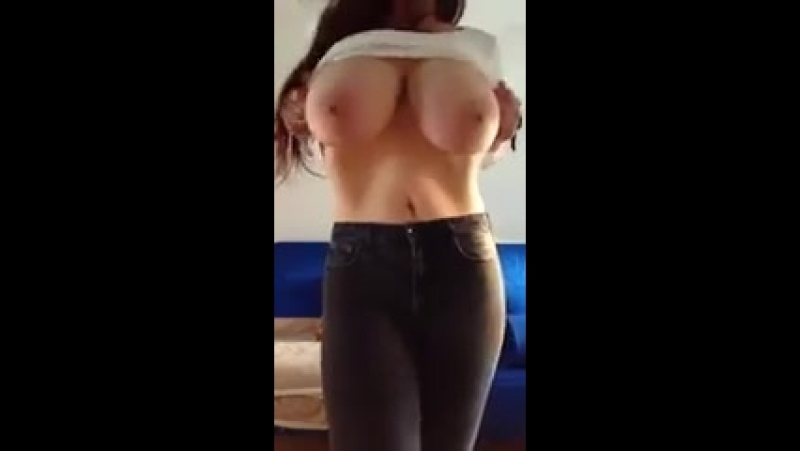 Показала сиськи 43 сиськи большиесиськи грудь стриптиз красиво секс телка tits boobs busty ass sexy love girl