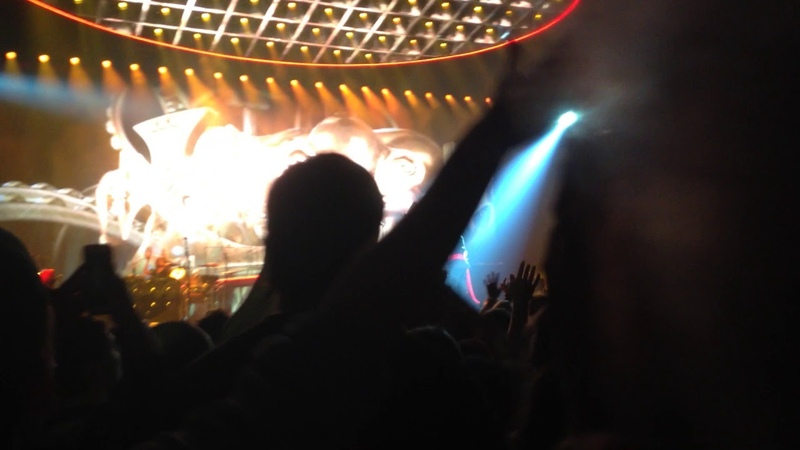 Queen Adam Lambert @ Sportpaleis (06.29.18) - Antwerp - We Are The Champions (Cut)