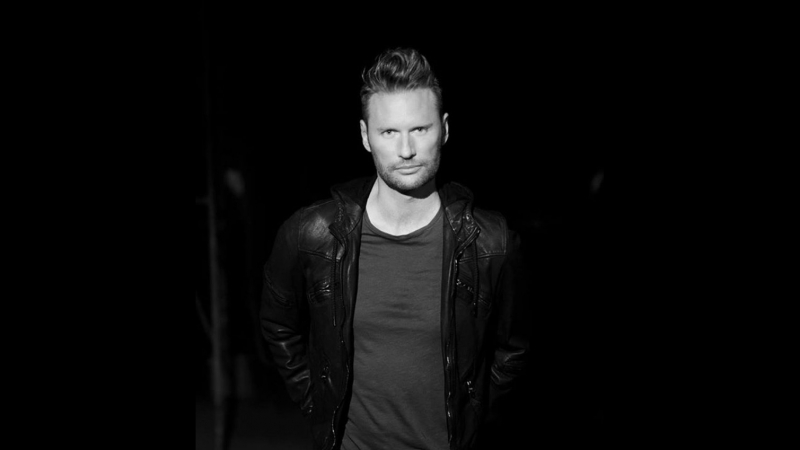 Brian Tyler Conducts Thor_ The Dark World (Live in London)