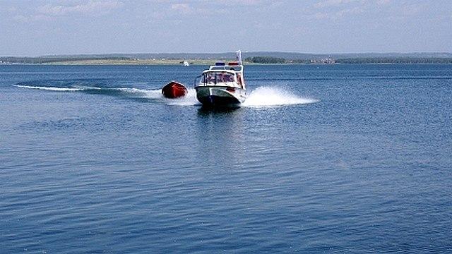 На Усть-Илимском водохранилище спасли четверых рыбаков
