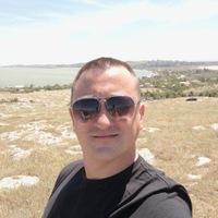 Антон Волик