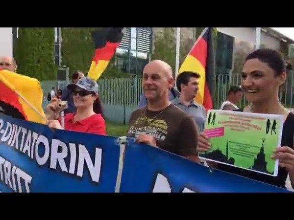 09.05.2018 AfD Demo Berlin Merkel MUSS weg mit Leyla Bilge AfD und Franz Wiese AfD