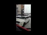 Водитель Infiniti не пропустил два пожарных автомобиля и скорую в московском дворе (VHS Video)