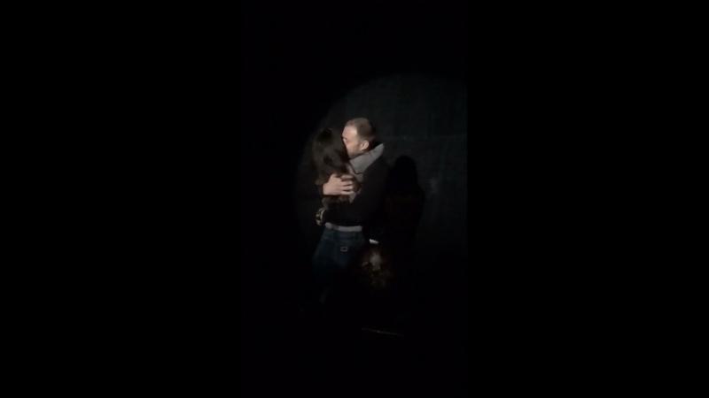 Предложение руки и сердца на сцене театра Джигарханяна