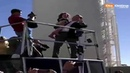 Bolsonaro incentiva criança a fazer gesto em forma de arma