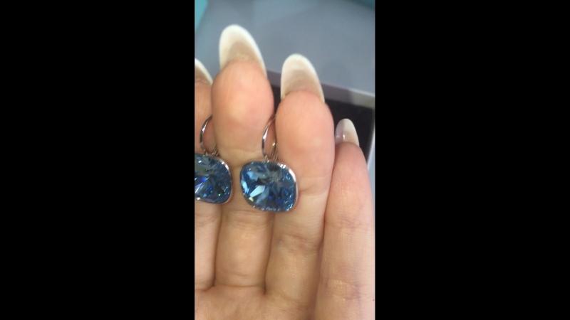 Голубые квадраты сваровски!цена 1500