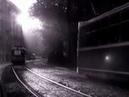 Трамвай идет по городу