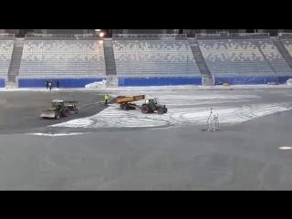Полевые работы на стадионе
