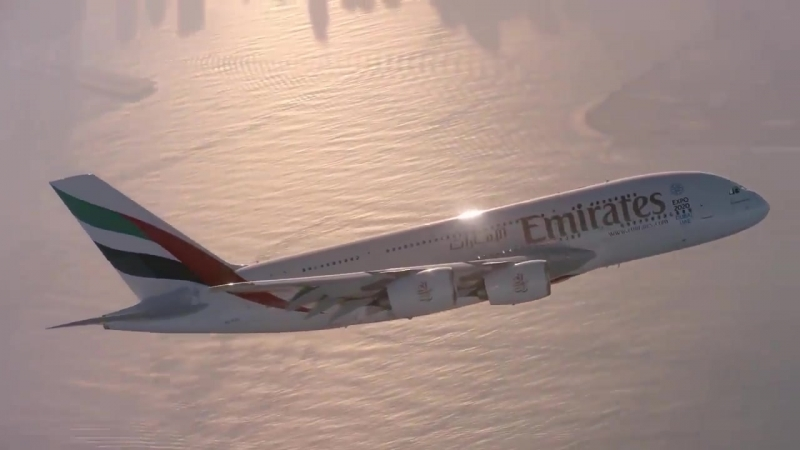 Совместный полет человека и гигантского лайнера Airbus
