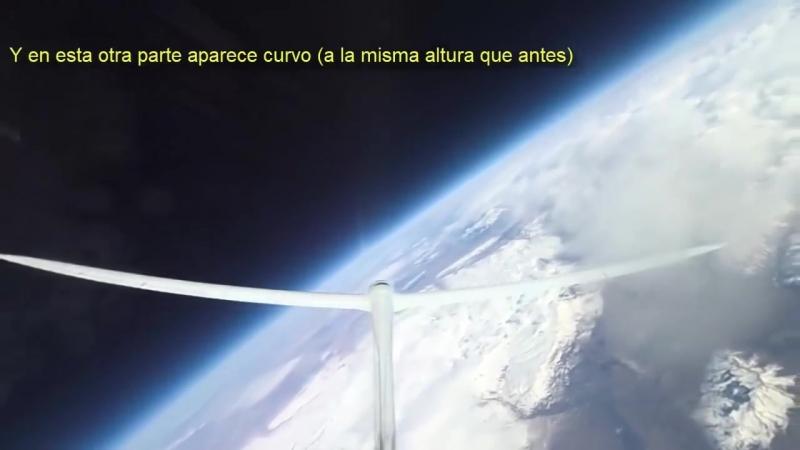 Pilot pokazuje, że Słońce i księżyc mają ten sam rozmiar!