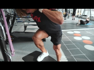 Тренировка ног и ягодиц Владивосток World Class