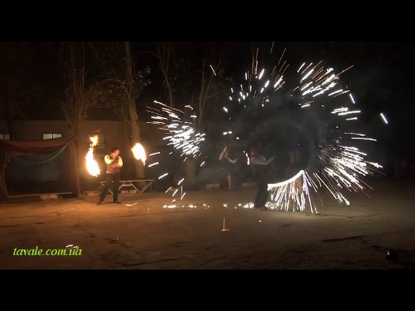 Файер-шоу с участием группы Огненный Тигр