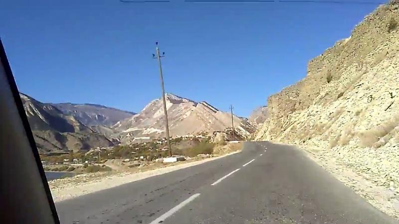 1 Дорога в Хунзах за поворотом с трассы в Гуниб, октябрь 2018   туризм в Дагестане
